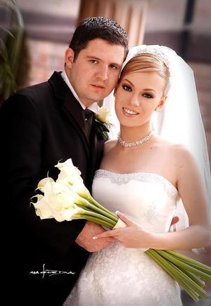 Sr. Faruk Fernández González y Srita. Odila Vargas Villarreal contrajeron matrimonio religioso en la parroquia de San Pedro Apóstol el 30 de abril pasado