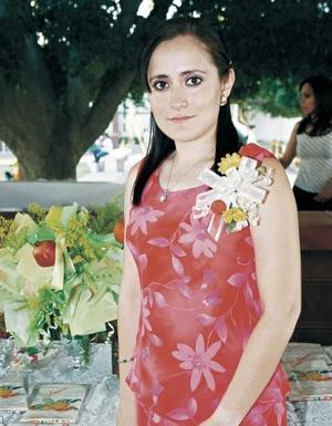 <b>17 de junio </b><p> Irma Iveth Peña contraerá matrimonio en breve