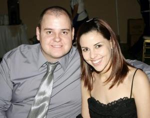 César y Mónica Villalobos.