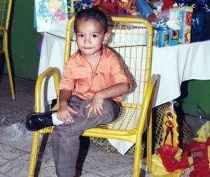 Óscar Gerardo cumplió tres años y por tal motivo sus papás, Dolores Tenorio y Ana Laura Antúnez, le organizaron un festejo.