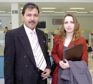Mario Vázquez y Érika Platas llegaron procedentes del Distrito Federal.