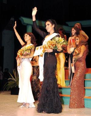 Ante un público eufórico y porras de las candidatas, se nombró en primer lugar a la Princesa que fue Carolina Ponce Sifuentes; después se pronunció el nombre de la Reina Karen-Hapuc Ríos López, ambas de 18 años de edad y estudiantes del Instituto Tecnológico y de Estudios Superiores de Monterrey (ITESM) Campus Laguna.