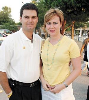 Camilo Mexsen y Naima Murra de Mexsen