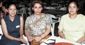 Claudia Contreras, Judith Rivera y Liliana Contreras, fueron capatadas en reciente reunión social