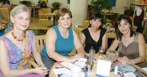 Grupos de amigas captadas en días pasados en un conocido restaurante