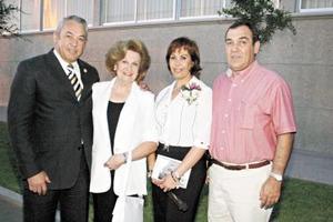 José Othón Borrego, Conchita de Borrego, Cony de Borrego, y Jorge López Borrego