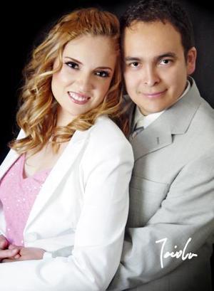 <b>18 de junio</b><p> Adriana Yáñez Quiñones y Víctor Manuel Montaño Chávez