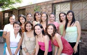 Ana Carmen Arias Ramírez, en la despedida de soltera que le organizaron por su próximo enlace nupcial..