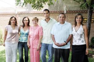 Carlos García Carrillo, Mercedes Araluce de García, Jorge y Begoña Nahle, Francisco y Meme Lazaga, en pasasdo festejo.