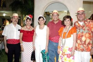 Ignacio y Lucero Méndez, Jesús y Yolanda Nares, César Rafael y Laura de Díaz