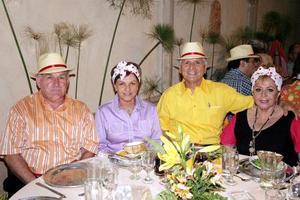 Joaquin y Vicky Hamdam, Guillermo y Ángeles Milán
