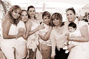 Nilza Rodríguez, Gloria Casanova, Lety Gutiérrez, Mónica Rodríguez, Iliana Rodríguez y Natalia Talamantes