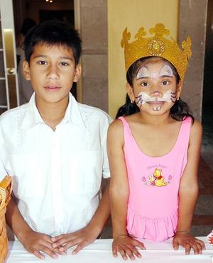 Adolfo e Ysel Delgado Niño, captados en su fiesta de cumpleaños.