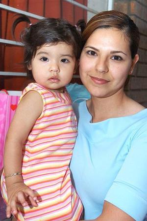 Gisela Pérez y su hija Natalia Espino