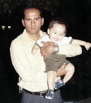 Alberto Díaz López con su hijo Diego Alberto Díaz Avilán