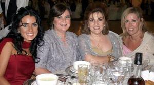 Mónica Silveyra, María Luisa Huerta, Gabriela Silveyra y Chela Díaz.