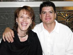Amelia Díaz Flores de González y Héctor González Magaña