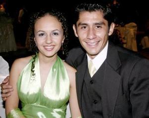 Gynna de la Garza y Hugo Estrada.
