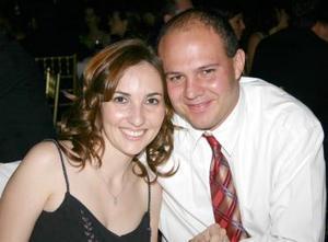 Mariana y Manuel Portilla, captados en reciente festejo.