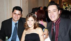 <b>20 de junio </b><p>  Juan Francisco Salazar, Karla Atilano y Guillermo Robles.