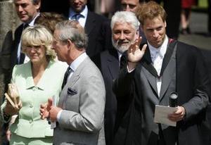 Posteriormente, Guillermo ha expresado que planea recibir entrenamiento militar en Sandhurst, la prestigiosa academia ubicada al sur de Londres donde su hermano menor, Enrique, comenzó sus estudios el mes pasado.