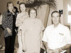 Ermita Peñagarza de García, Patricia Miñarro, Eva Miñarro y Antonio Miñarro.