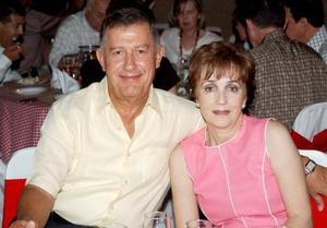 Ramiro Cantú y Mary Carmen de Cantú