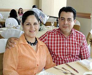 Alma Campos de Arzate y Alejandro Arzate.