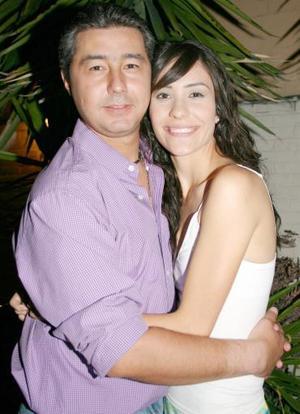 <b>24 de junio</b><p> Victor Moreno Rodríguez y Gaby Barrón Olvera.