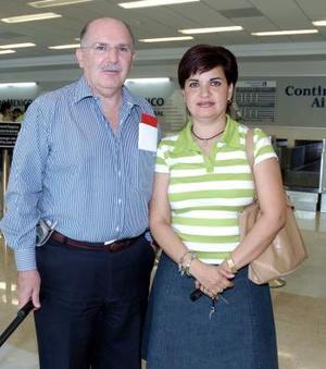 Enrique Michel y Graciela Soto viajaron a la Ciudad de México.