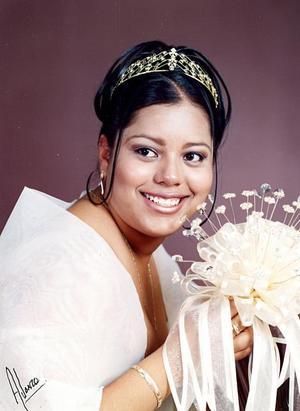 Srita. Diana Martínez Vega festejó en días pasados sus quince años de vida