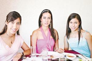 Las hermanas Adriana, Julia y Claudia Peña Payan