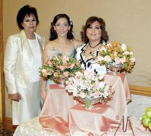 <b>25 de junio </b><p> Velina Murra junto a su mamá, Velina Kanahuati y su futura suegra, Blanca Sylvia Reveles
