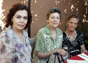 Emma de Mcanally, Bertha Elizondo de Martínez y Bertha Martínez de Madero.