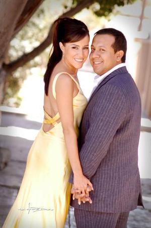 <b>25 de junio</b><p> Bertha Aguilera Morales y Jesús Navarro Enriquez
