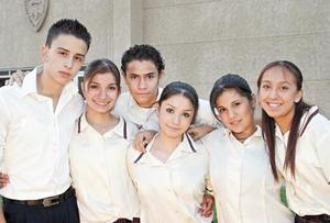 Hernán Fonseca, Rosaura Sánchez, Brigith Villa, Víctor Aviv, Teresa Martínez y Karla Torres.