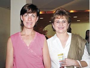Minerva Favila y Joann Murra.