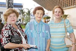 Magdalena Reed, Consuelo González y Guadalupe González Ugarte.