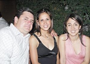 Javier Mijares, Marcela de Mijares y Bárbara Mijares Campa.