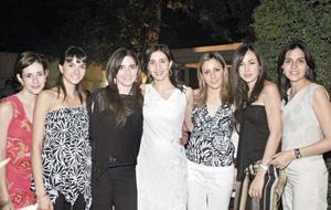 Maritere de Murra, Rocío de Murra, Paola de Gallegos, Sofía Papadópulos de Mijares, Melissa Mijares, Maru Ávila y Ana Claudia de Regueiro.
