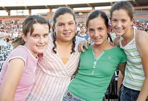 Christy Fernández, Valeria Rivas, Paulina López y Andrea Delgado.
