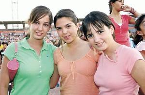 Analia Cevallos, Sandra y Paola Garza.