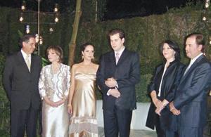 Alberto Plancarte Gámez, Patricia Welsh de Plancarte, los novios Adriana y Mario, Cristina Rivero de Treviño y Mario Treviño Botti