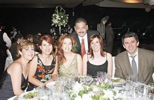 Eugenia Gordillo, Lore Batarse, Gina G. de Ramírez, Cecy Martinez, Tomas Ramírez y Jesús Gómez