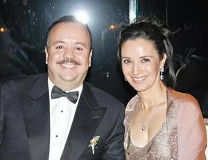 Roberto Pámanes y Rocío Muños de Pámanes