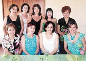 Magaly Gámez, Paquita Martínez, Susana González, Carla Lozano de Burillo, Merry Jaik, Chachis Valdez, Biacha Tumoine, Olga de Gallegos y Paulina González.