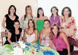 Yadhira de González, Alicia de Torres, Carla Lozano de Burillo, Paty C. de Burillo, Claudia de Álvarez, Ana Gaby T. de Juan Marcos, Rocío de Mexsen, Lizeth de Murra y Susy de Villanueva.