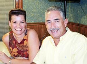 Vivi de González y Gerardo González