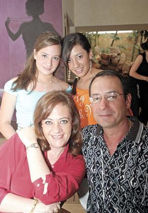 Max, Jackie, Stephy y Jackie Miranda