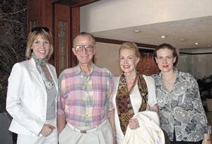 Alicia, Federico, Inés y Cristy Sáenz